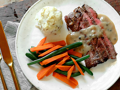 Steak w/Peppercorn Sauce